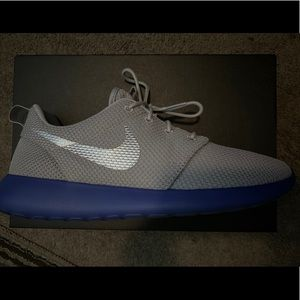 Nike Roshe ID size 10